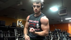 Jonnie Candito training in the gym using his 6 week powerlifting program based on linear periodization